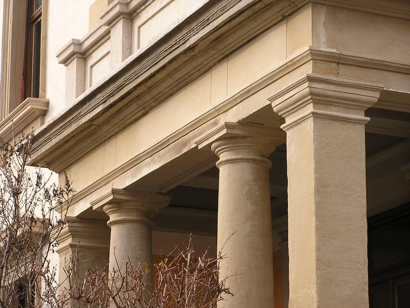 Restaurierung von Säulen